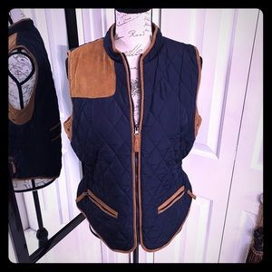 Entro navy quilted-vest with faux suede detail
